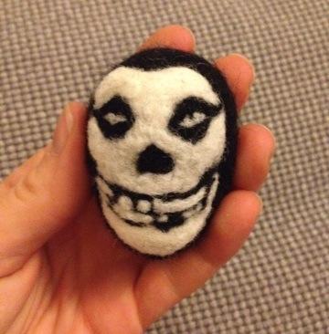 needle felted misfits skull