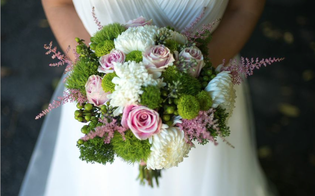 diy bridal bouquet (Photo credit: Robert Caplin)