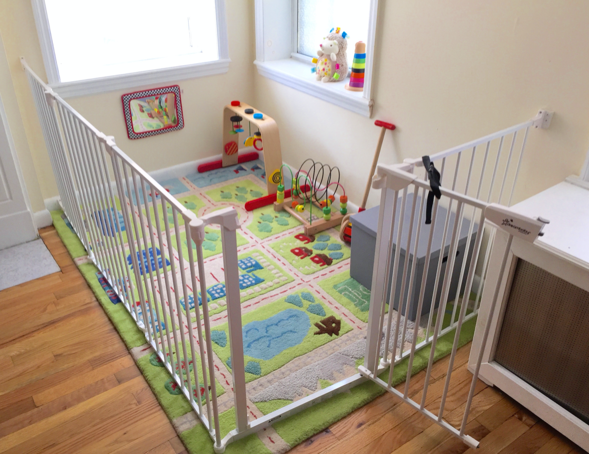 play-pen playard area