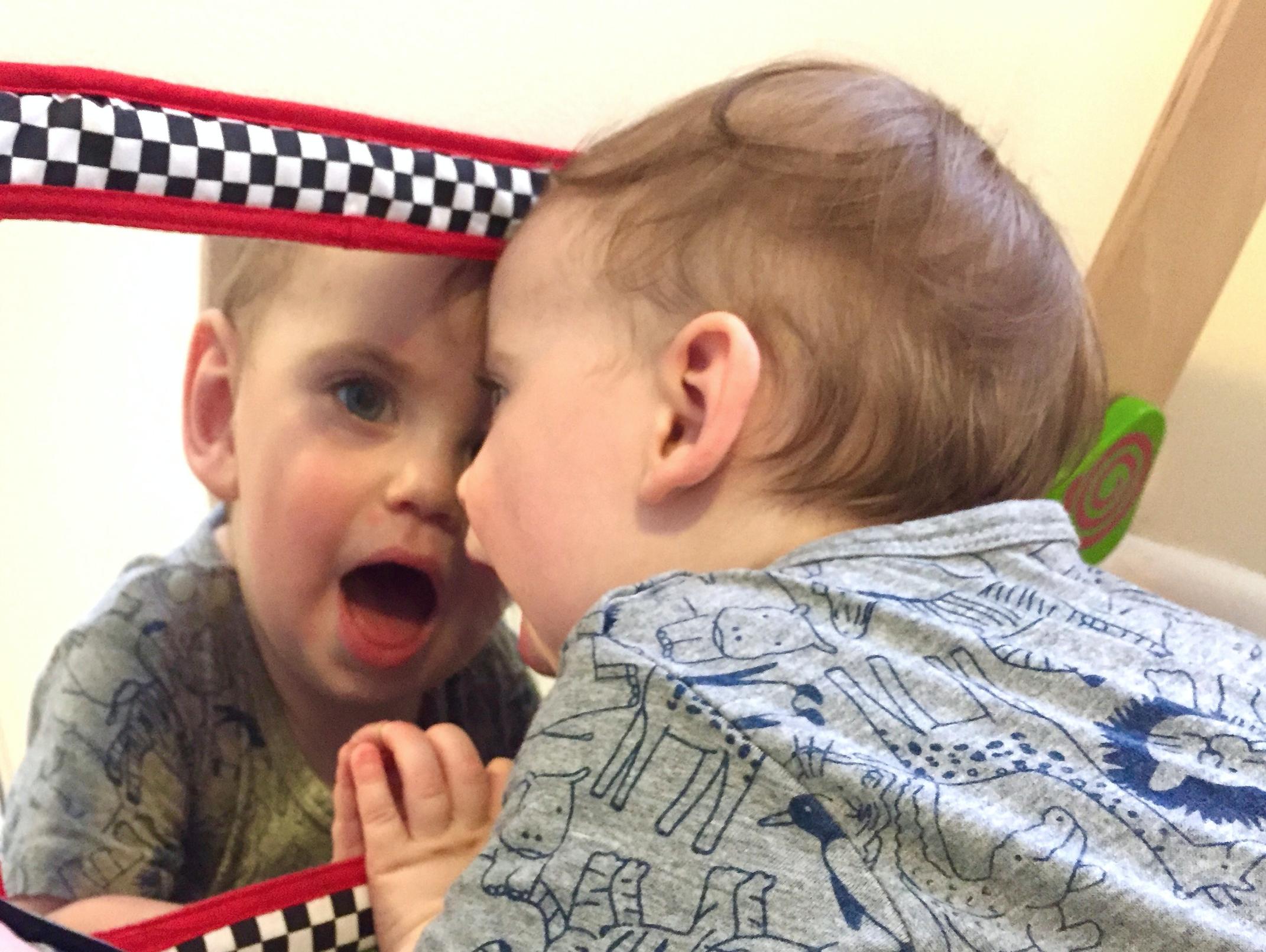 baby crib mirror in play-pen